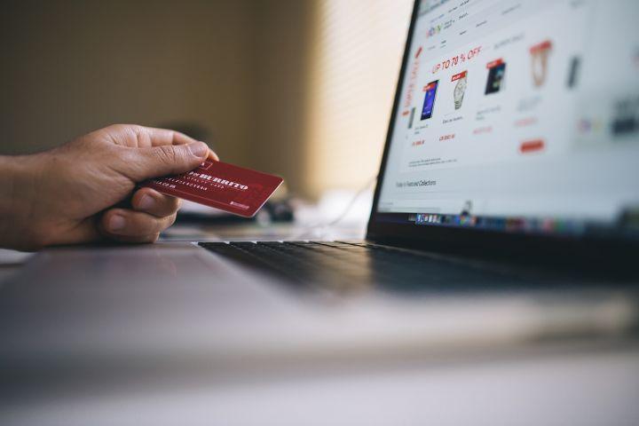 Таможенная служба России ужесточила правила оформления покупок из зарубежных интернет-магазинов
